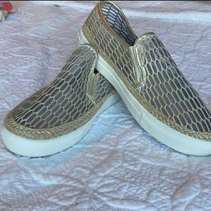 Henry Ferrera Gold Mesh Slip-On Sz 8